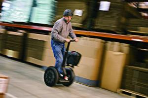 i2 Comm Cargo - man riding